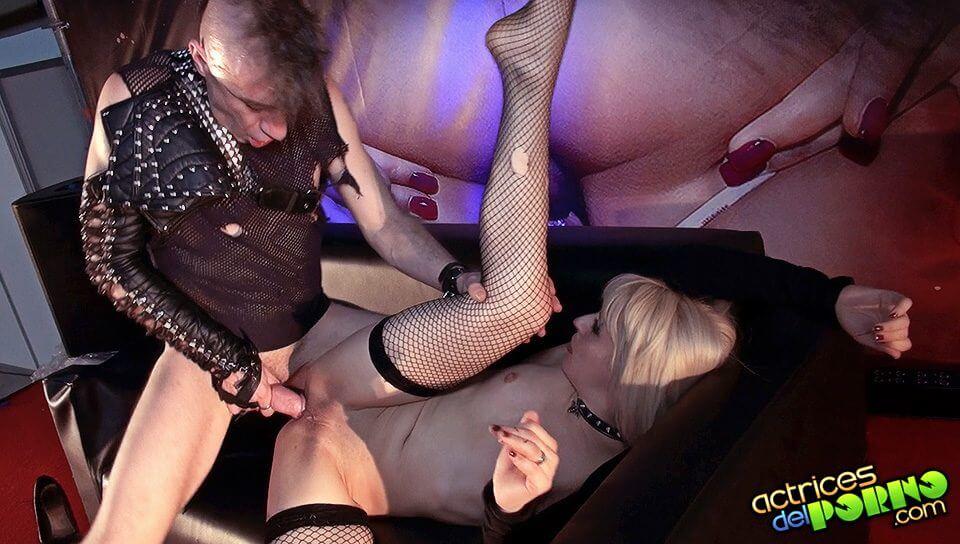 Show lesbico de conrad son y la pornoband en el feda - 2 part 10